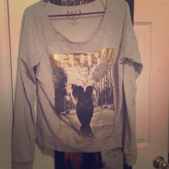 Hollywood Legends Tops - Grey Marilyn Monroe sweatshirt 💋